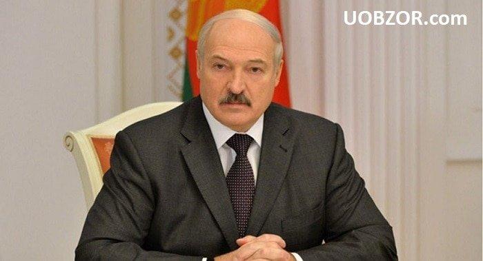 Лукашенко зустрівся з американцями і вирішив не відкривати російську базу