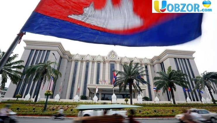 """Камбоджа може виявитися в центрі нової """"холодної війни"""""""
