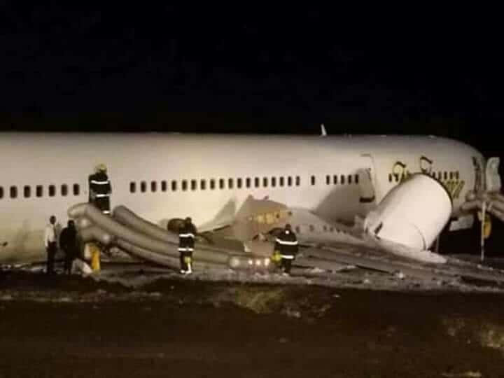 Шестеро людей госпіталізовано після аварійної посадки літака Boeing 757 Fly Jamaica