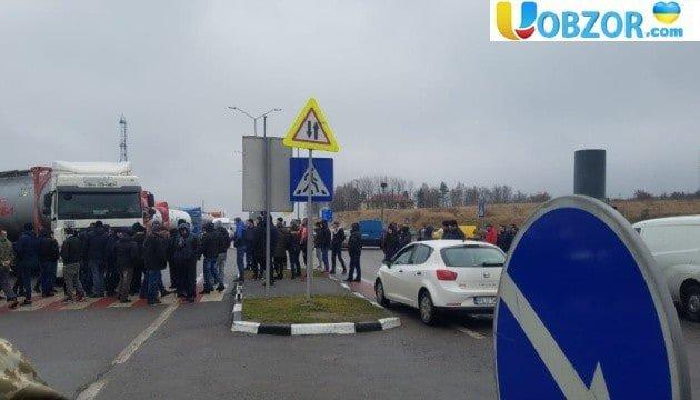 """""""Евробляхеры"""" разблокировали все пункты пропуска на границе с Польшей"""