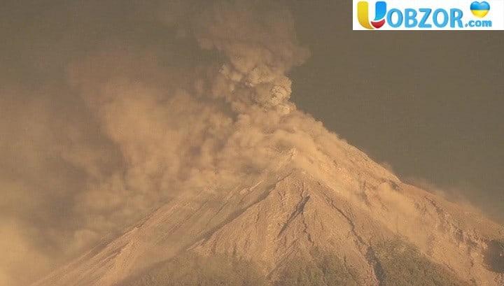 У Гватемалі знову прокинувся вулкан Фуего