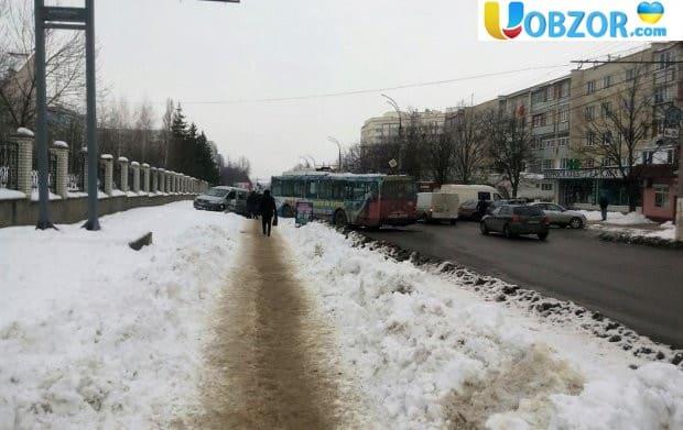 Масштабне ДТП в Києві, зіткнулося 5 машин