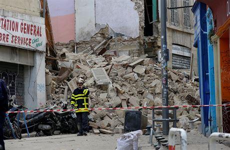 В Франции рухнули два многоэтажных дома - ищут жертв