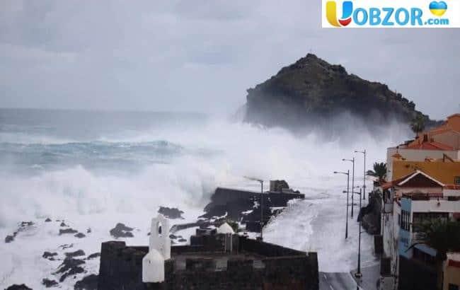 В Іспанії потужні дощі в популярних курортних місцях призвели до повеней