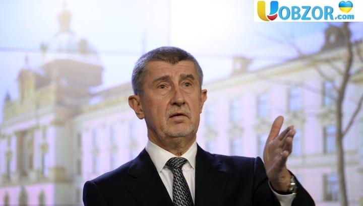Чехія запропонувала витрачати гроші з військових бюджетів на допомогу бідним