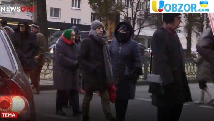 Замерзаючі в квартирах без опалення кияни перекрили центр міста