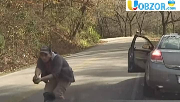 Перестрілка американських поліцейських з злочинцем +відео
