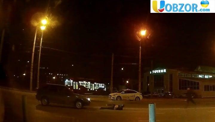 Дивна аварія з пішоходом в Казані потрапила на відео
