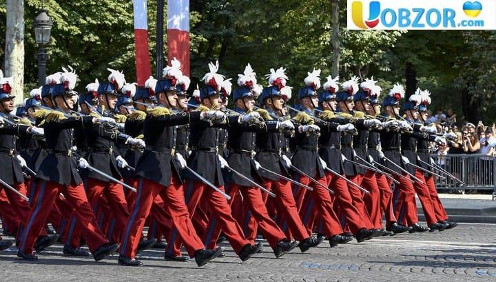 Єдина армія ЄС: Ле Пен вважає, що Макрон зраджує Францію
