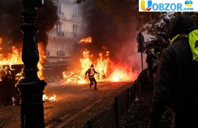 Протести у Франції. Влада мобілізує кілька дивізій поліцейських
