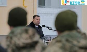 Полторак підписав наказ про підвищення зарплат військовим з 1 січня