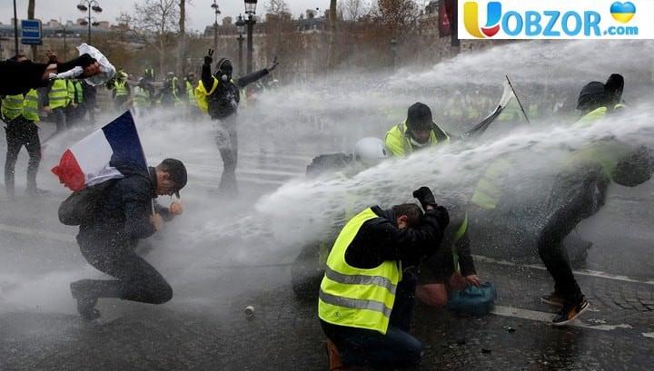 Число постраждалих в ході заворушень в Парижі перевищило 100