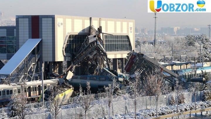 Аварія поїзда в Туреччині: кількість жертв зростає