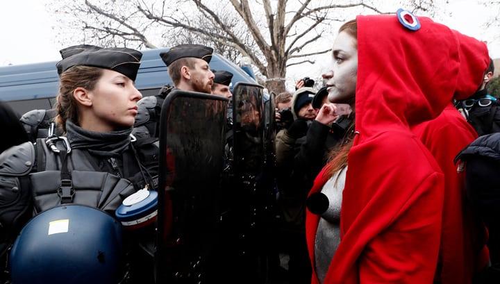 """З 168 затриманих в Парижі """"жовтих жилетів"""" 112 взяті під варту"""