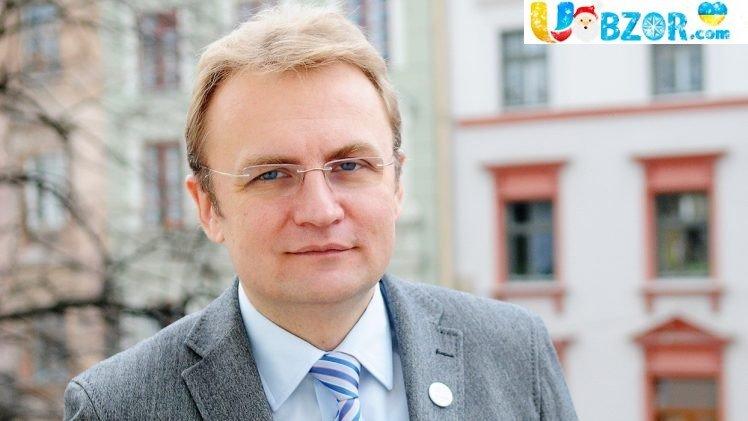 Садовий спростував інформацію про переїзд з усією сім'єю до Києва