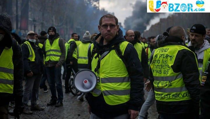 """""""Жовті жилети"""" хочуть повстання і повалення уряду"""