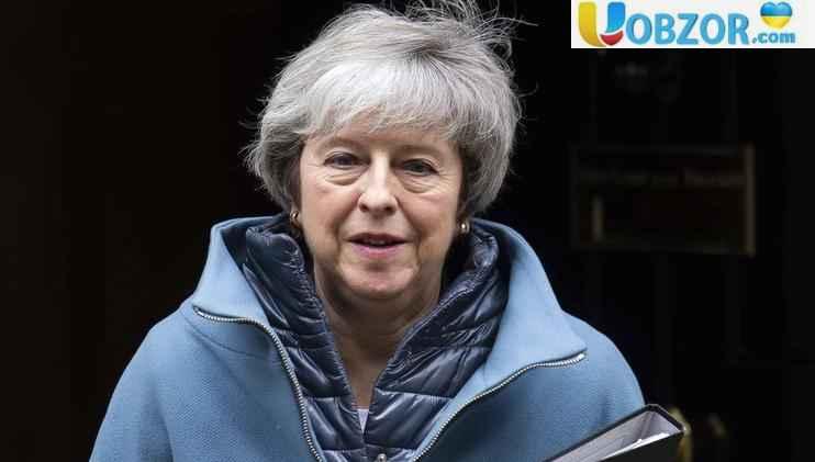 Тереза Мей тягне час перед голосуванням по Brexit