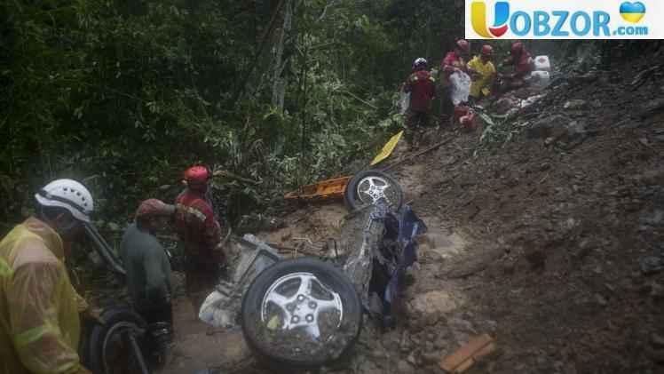 У Болівії в результаті обвалу загинули 11 осіб