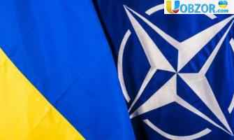 Порошенко повідомив про курс України в НАТО