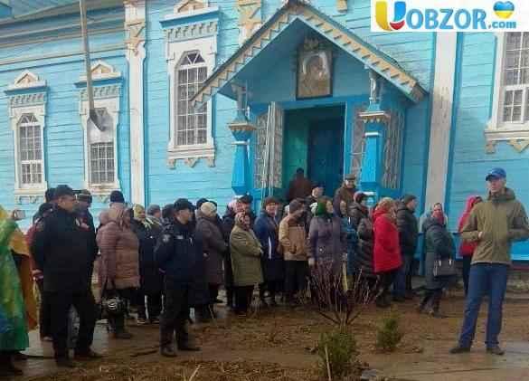 У Вінницькій області зіткнулись віруючі ПЦУ і УПЦ МП