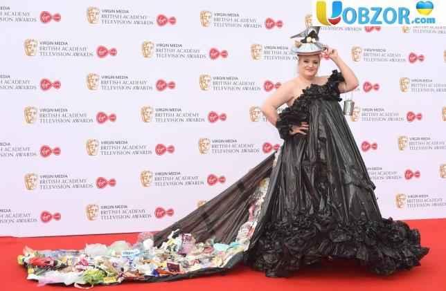 Сукня з сміттєвих пакетів: незабутні образи червоної доріжки BAFTA-2019