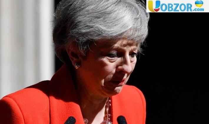 Англійка плаче: Тереза Мей йде вся в сльозах - повідомляє Уобзор