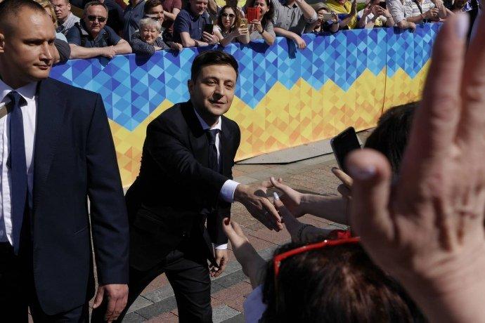 Зеленський закликав Кабінет Міністрів піти у відставку