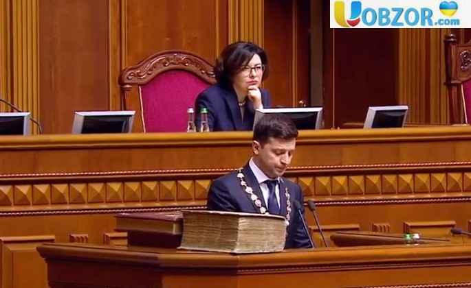 Зеленський порушив Конституцію на 45 хвилині президенства, - В'ятрович