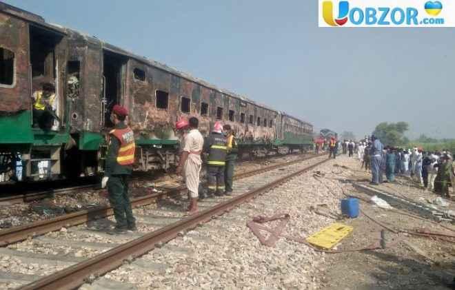 В Пакистані загорівся поїзд під час руху: відомо про 46 жертвах
