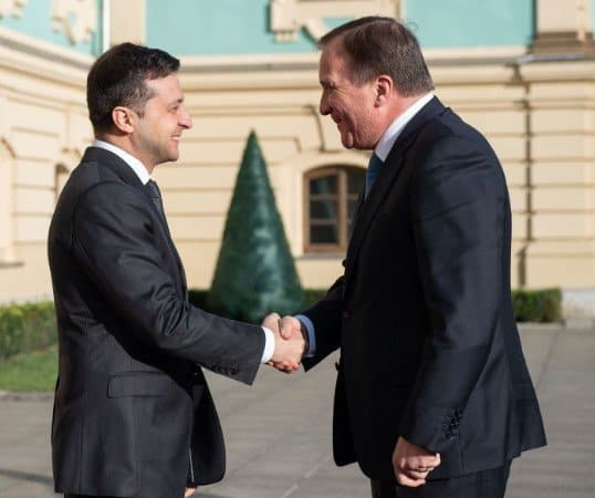 Зеленський попросив про допомогу в Швеції на відновлення Донбасу
